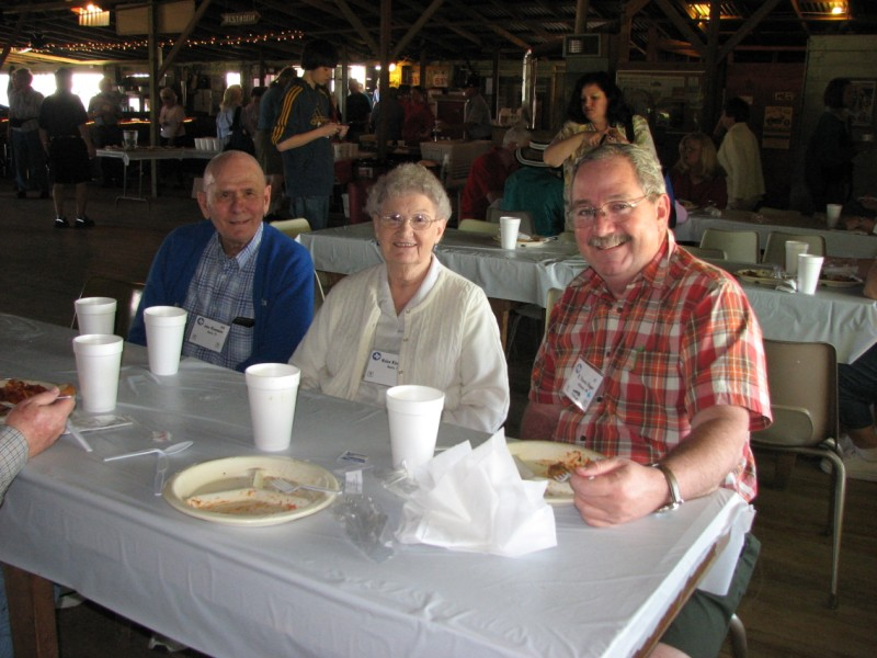 Dennis Hager (right) with John and Helen Kinnamon